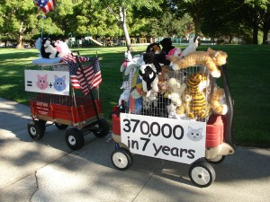 Parade float promotes spaying and neutering cats